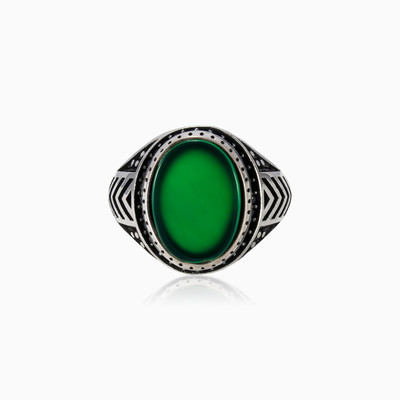 Jade and spinel ring man rings