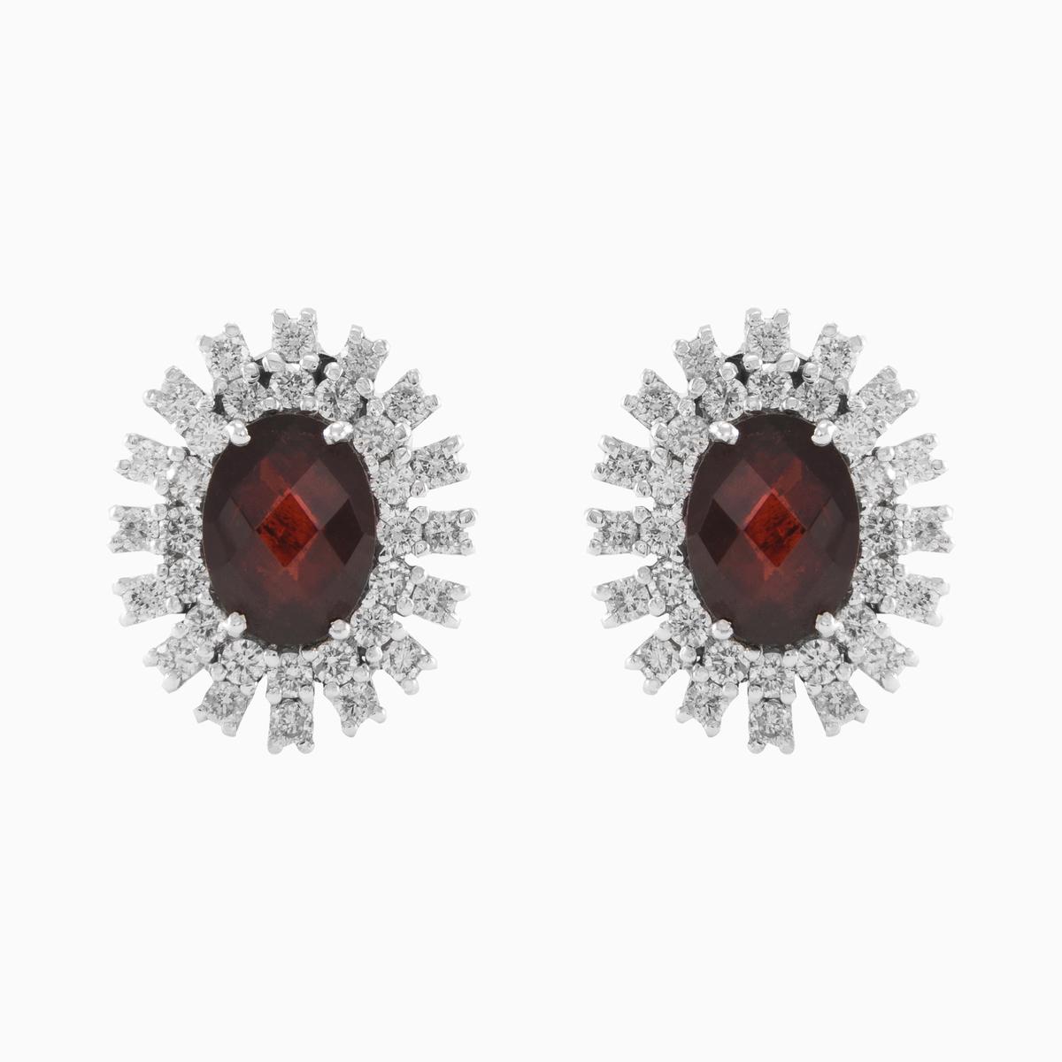 Klasické a elegantní diamantové náušnice s granáty vyrobený z 18 kt ... 30db04aa837