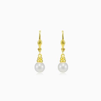 Ohrringe aus hängendem Perlengold Frauen Ohrringe Lustrous