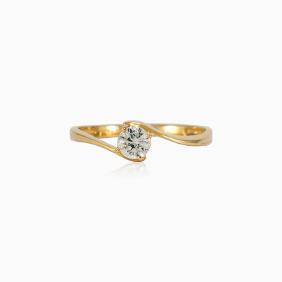 Classic solitaire ring woman engagement rings Lustrous